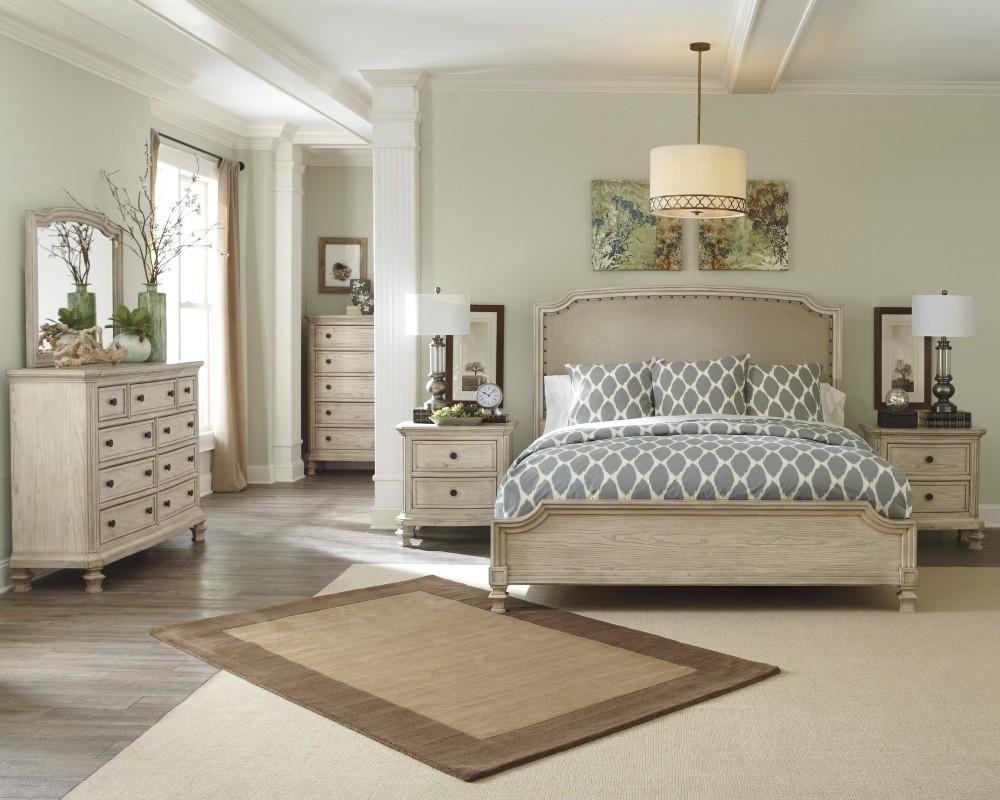 Demarlos 5 Pc. Bedroom - Dresser, Mirror & Queen Panel Bed
