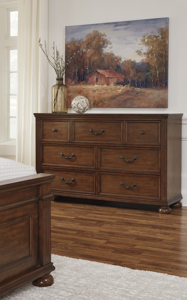 Lazzene - Medium Brown - Dresser
