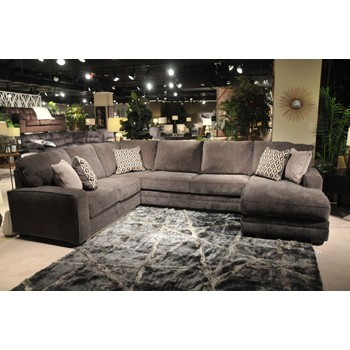 Tracling sectional with chaise