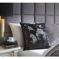 Maxandria - Black/Silver - Pillow