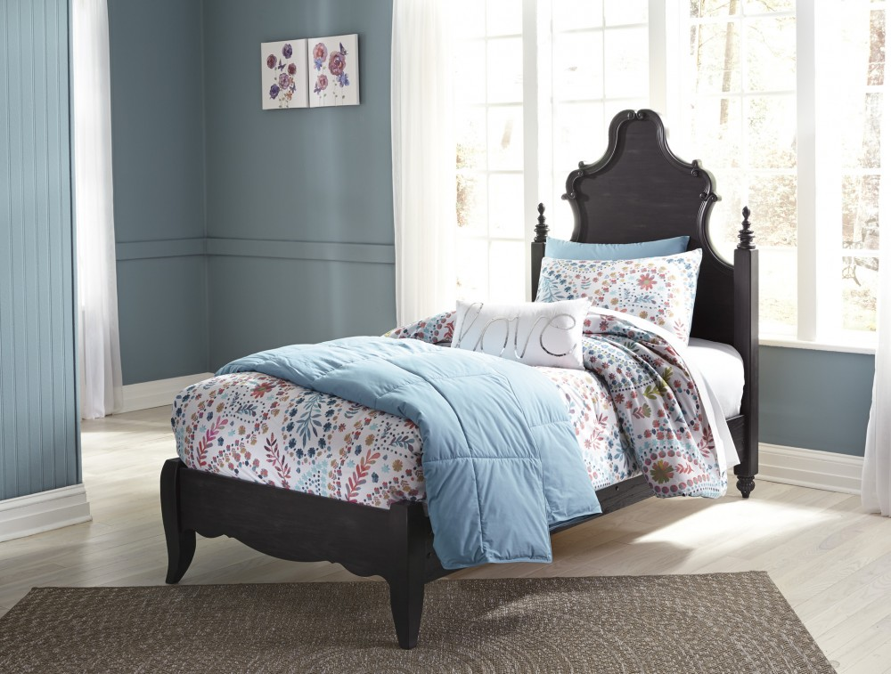 Corilyn Twin Poster Bed