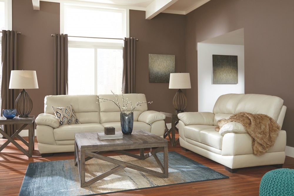 Fontenot cream sofa leather sofas pruitt 39 s fine for Pruitts bedroom sets