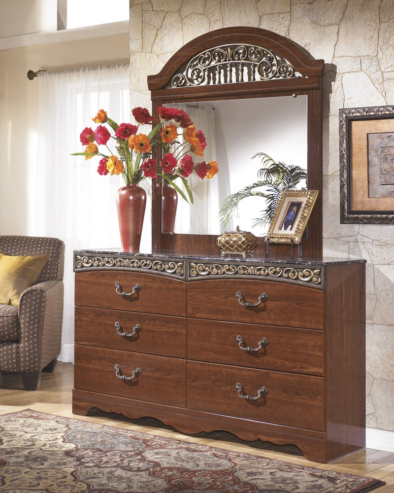 Fairbrooks Estate - Dresser