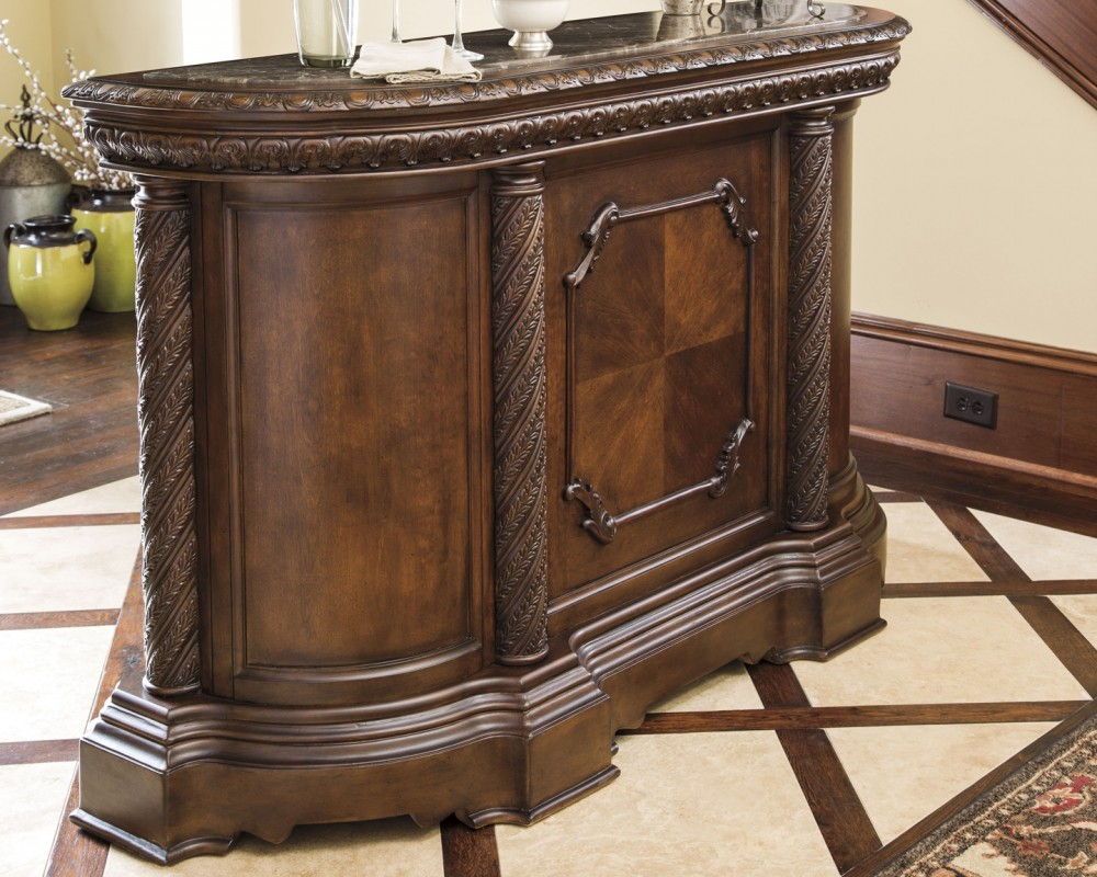 North Shore - Bar with Marble Top