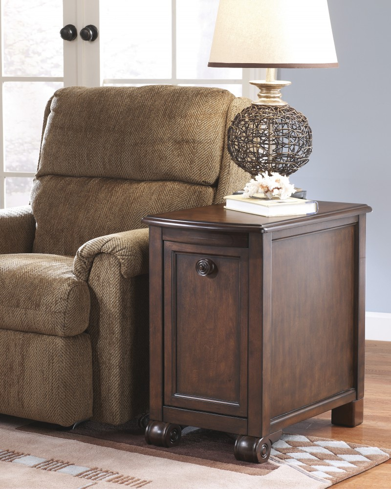 Merveilleux Brookfield   Chair Side End Table