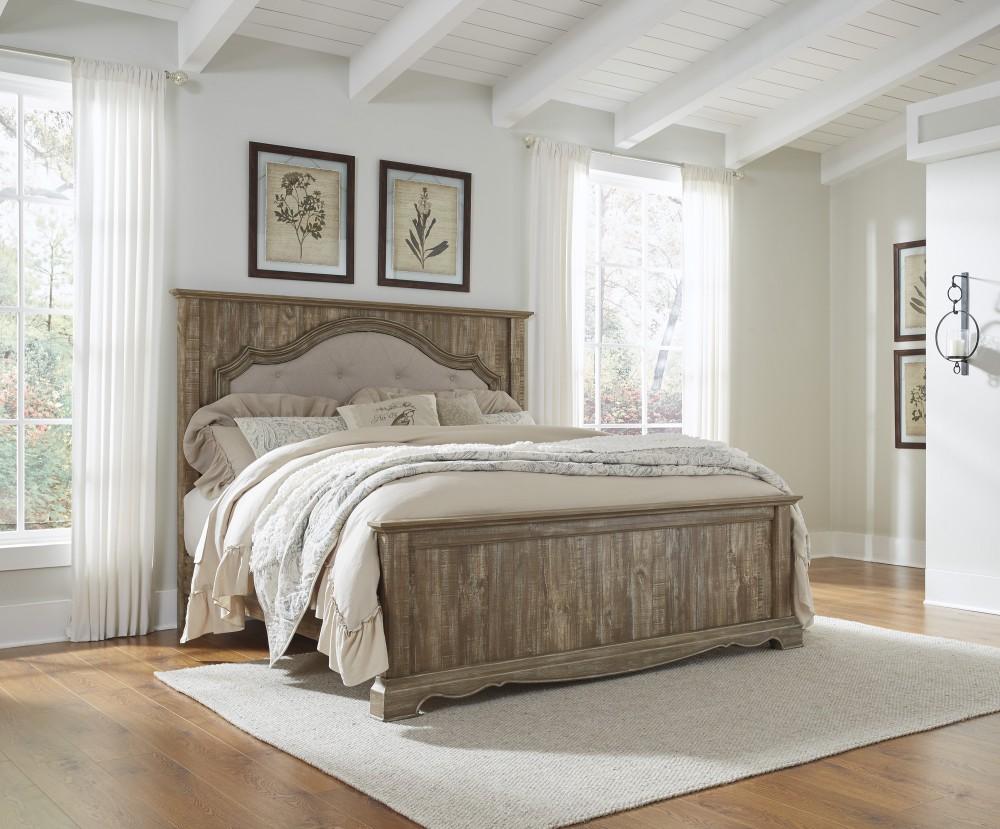 Shellington - Caramel - King Panel Bed