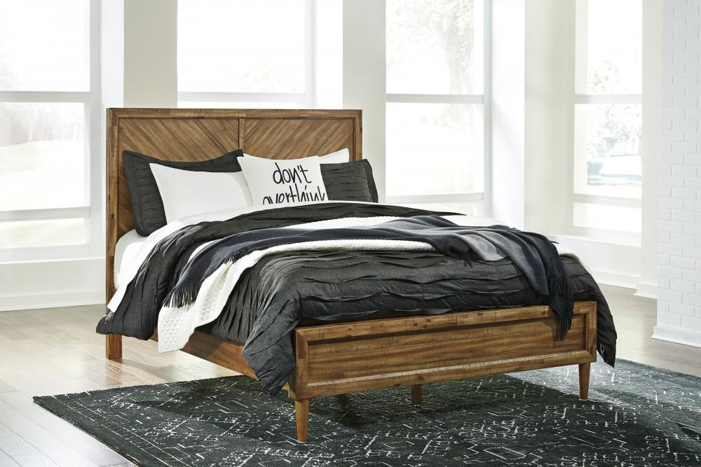 Broshtan King Panel Bed