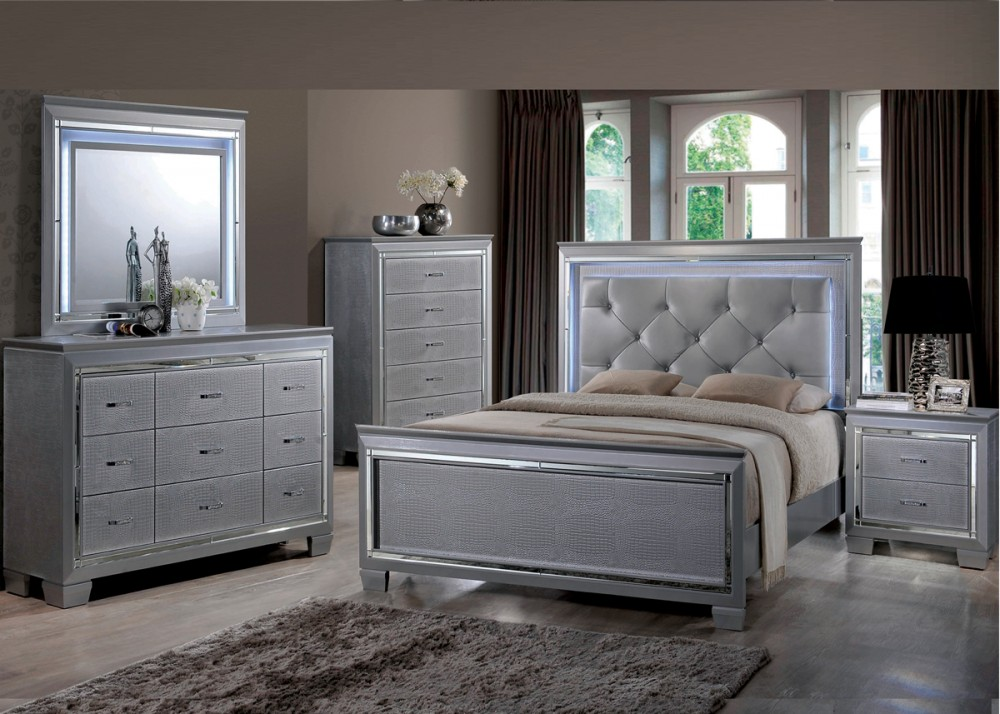 DRESSER, MIRROR U0026 QUEEN BED   B118