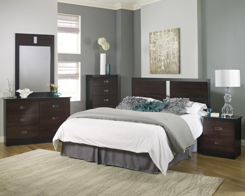 Hurley Collection 5 Piece Bedroom Set