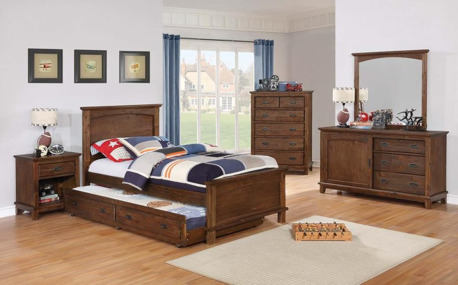 KINSLEY COLLECTION - Kinsley Country Brown Dresser