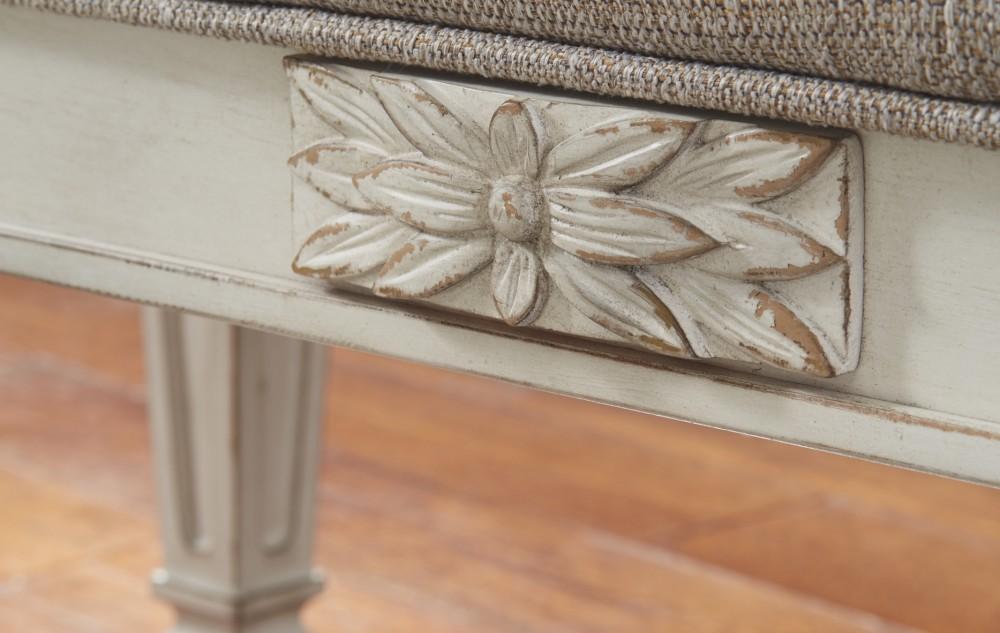 Cool Realyn Antique White Accent Bench Creativecarmelina Interior Chair Design Creativecarmelinacom