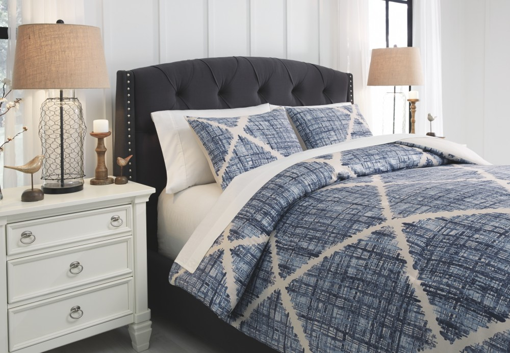 Sladen - Blue/Cream - King Comforter Set
