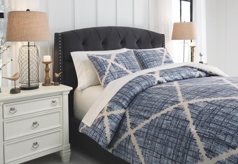 Sladen - Blue/Cream - Queen Comforter Set