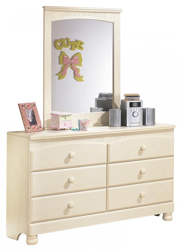 Cottage Retreat Dresser and Mirror