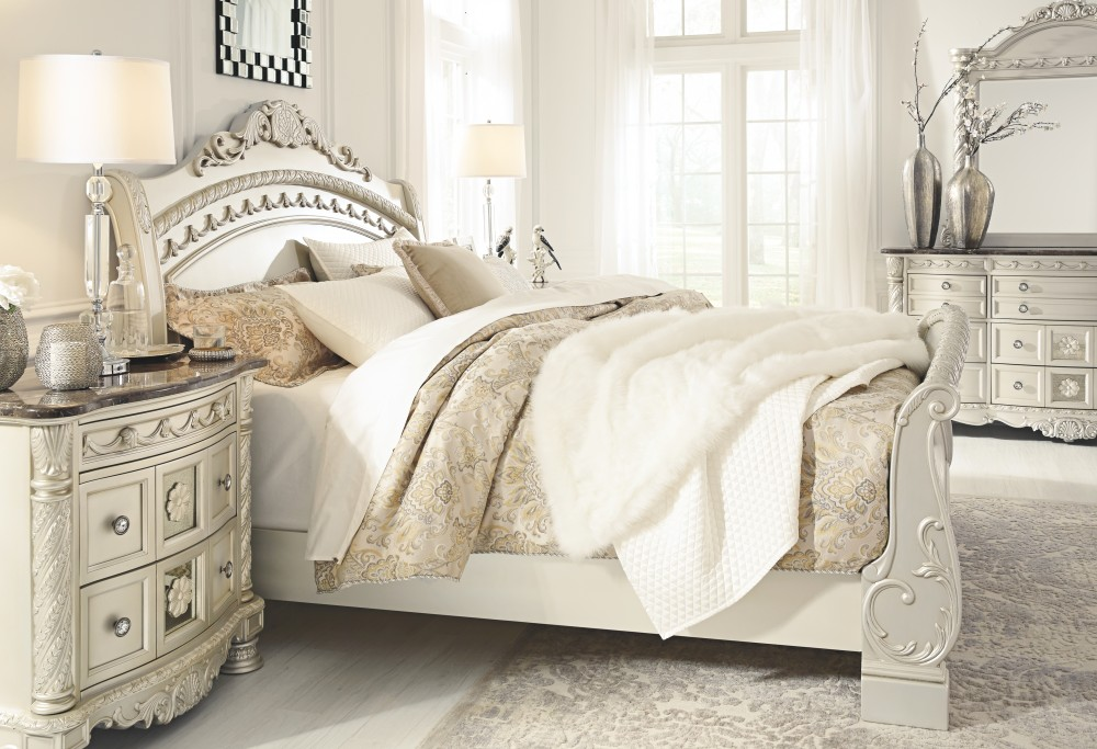 Cassimore King Sleigh Bed