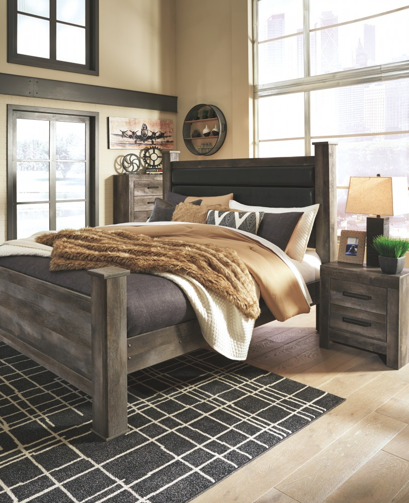 Wynnlow - King Poster Bed