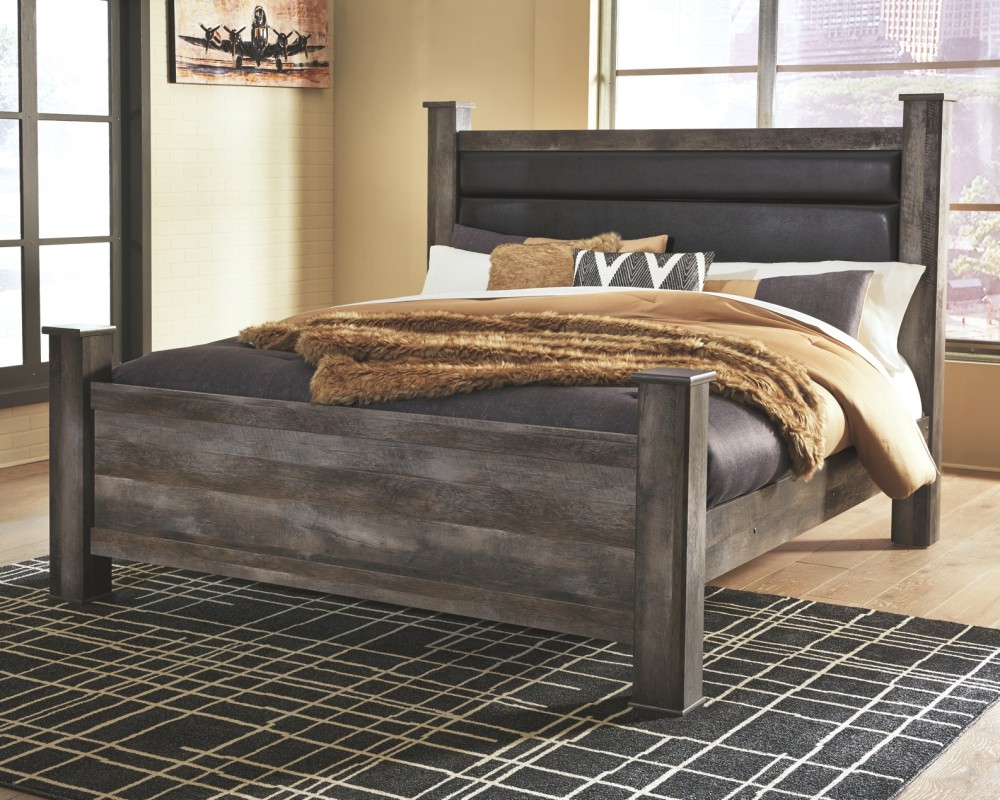 Wynnlow King Panel Bed