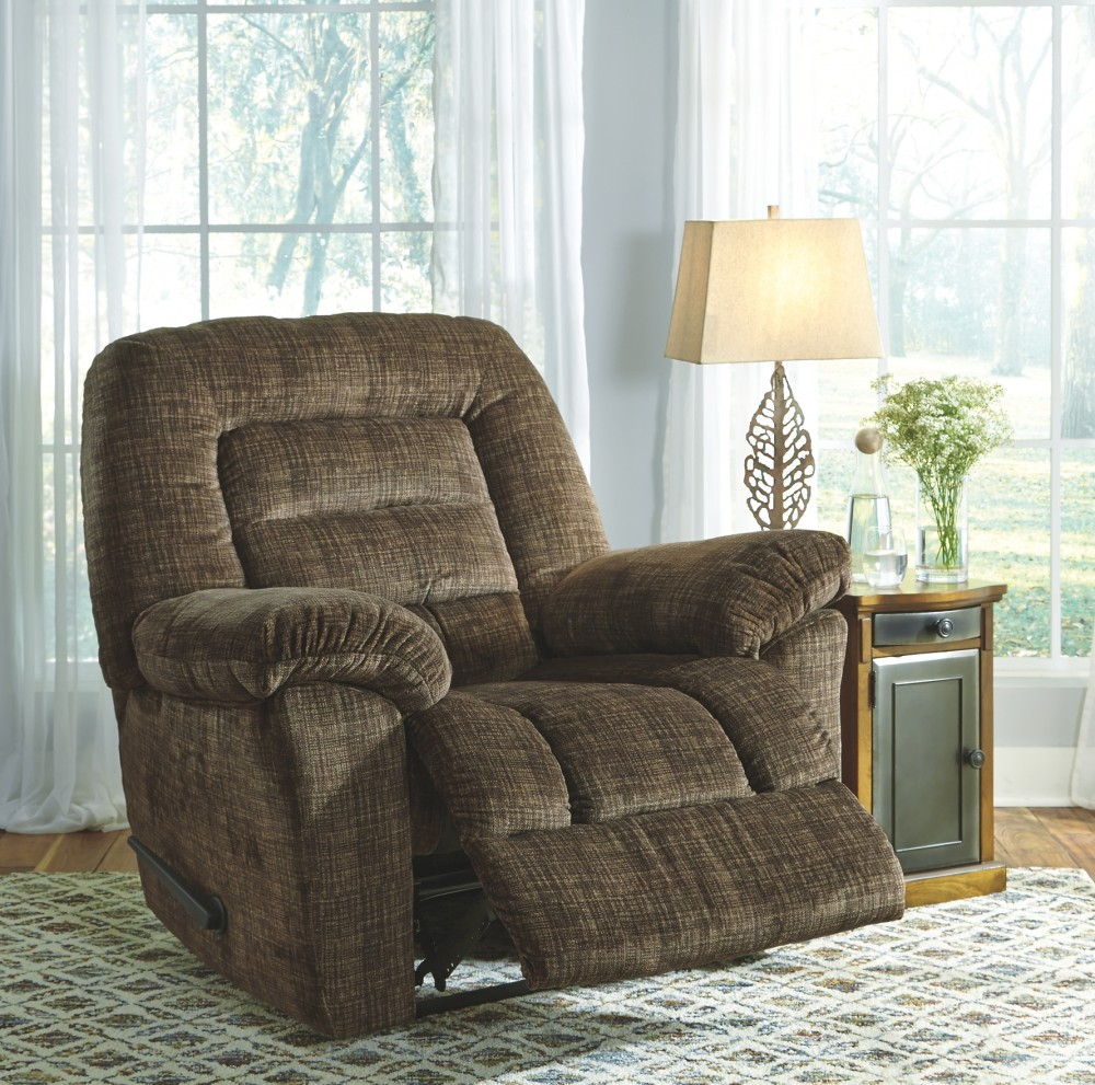Hengen - Brown - Zero Wall Recliner