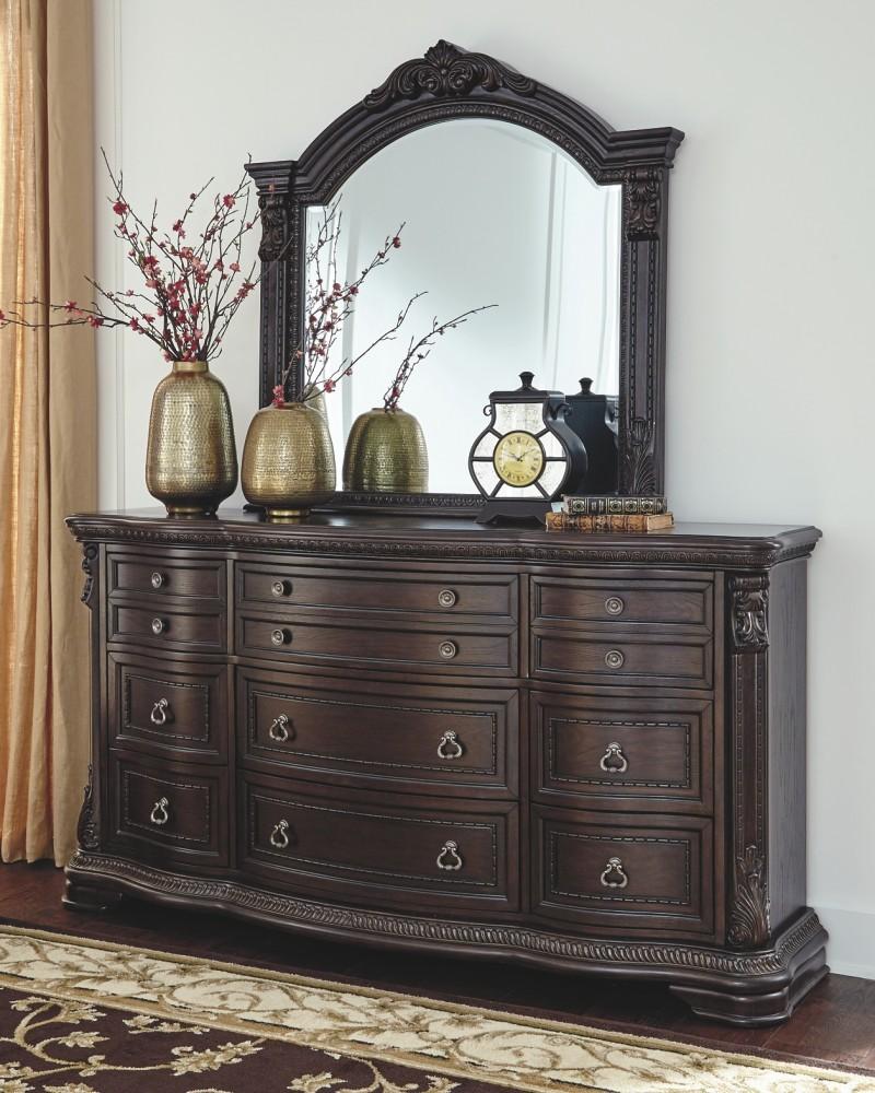 Wellsbrook - Dresser and Mirror