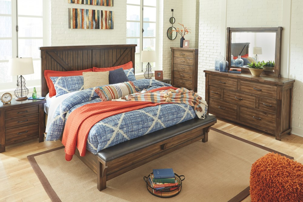 Lakeleigh - Cal King Upholstered Bed