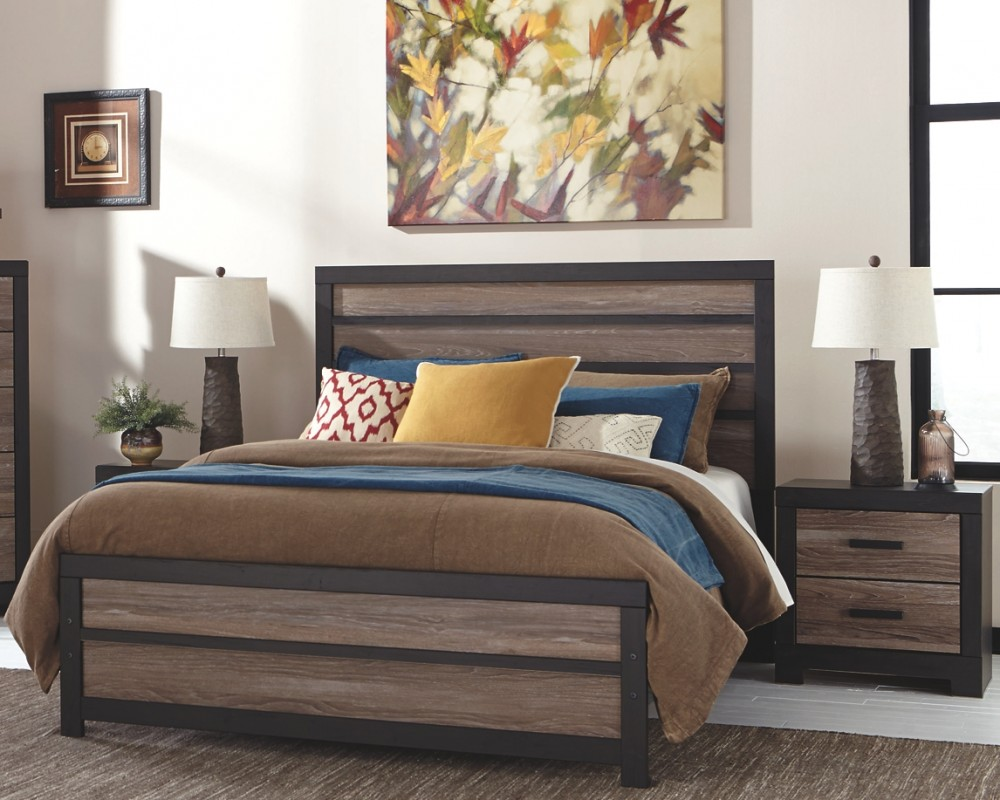 Harlinton - Queen Panel Bed with Nightstand