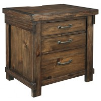 Lakeleigh - Three Drawer Night Stand