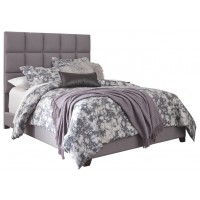 Dolante - Dolante King Upholstered Bed