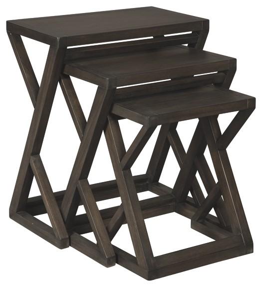 Cairnburg - Accent Table Set (3/CN)