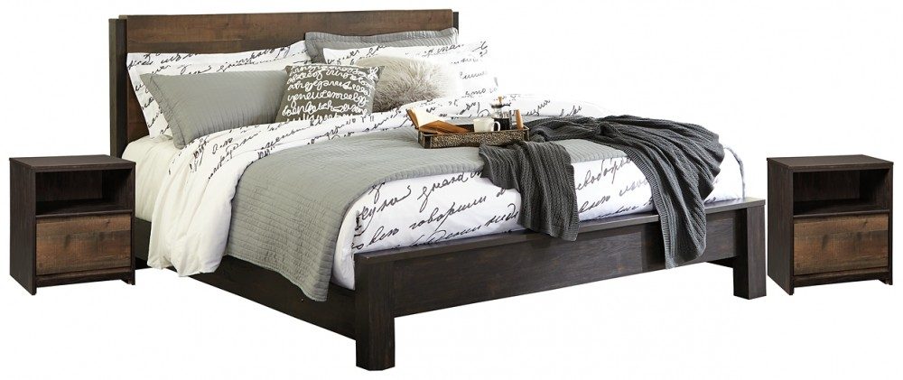 Windlore - King Panel Bed with 2 Nightstands