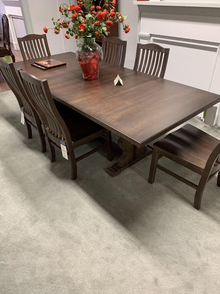 Vaughan Bassett Table