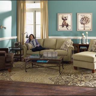 Bree Living Room Group