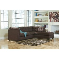 Maier Sectional w Right Chaise