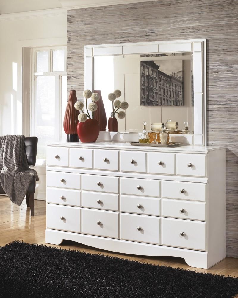 Weeki - Dresser