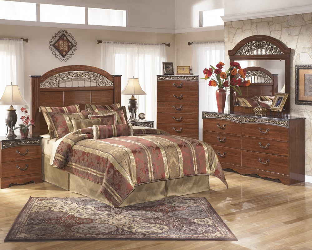 Fairbrooks Estate 3 Pc. Bedroom - Dresser, Mirror, Queen/Full Panel Headboard