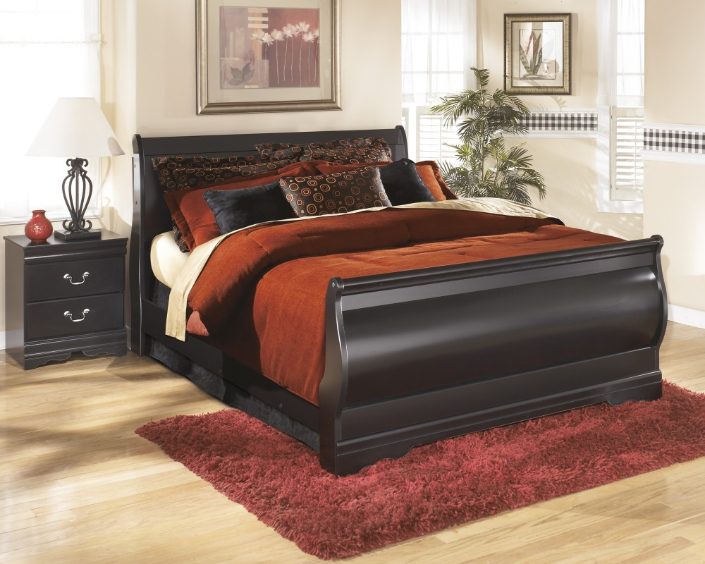 Huey Vineyard Queen Sleigh Bed