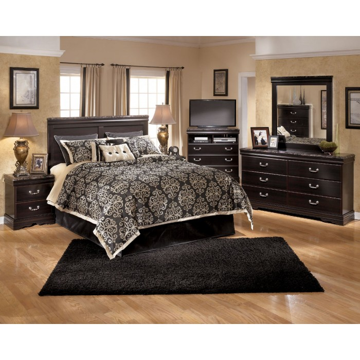 Esmarelda 3 Pc. Bedroom - Dresser, Mirror & Queen Panel Headboard