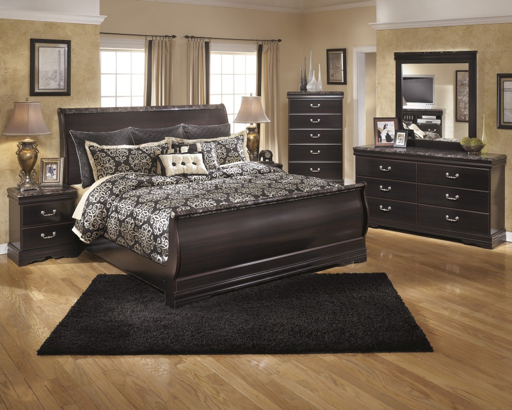 Esmarelda 5 Pc. Bedroom   Dresser, Mirror U0026 Queen Sleigh Bed