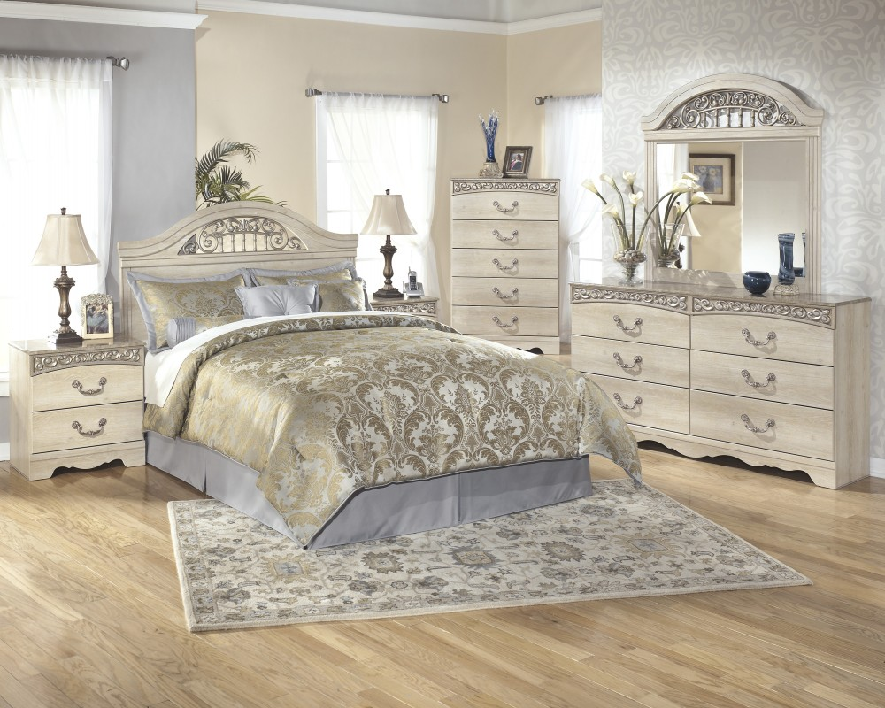 Catalina 4 Pc. Bedroom  Dresser, Mirror, Queen/Full Panel Headboard U0026