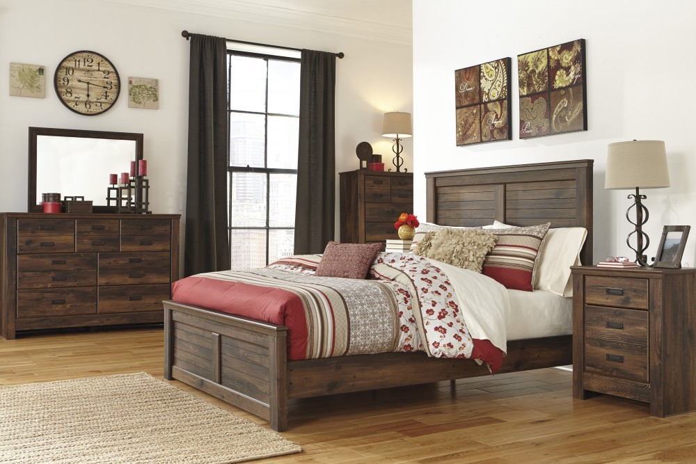 Quinden 5 Pc. Bedroom   Dresser, Mirror U0026 Queen Panel Bed