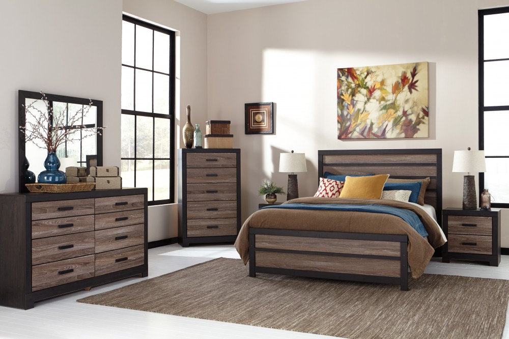 Harlinton 5 Pc. Bedroom - Dresser, Mirror & Queen Panel Bed