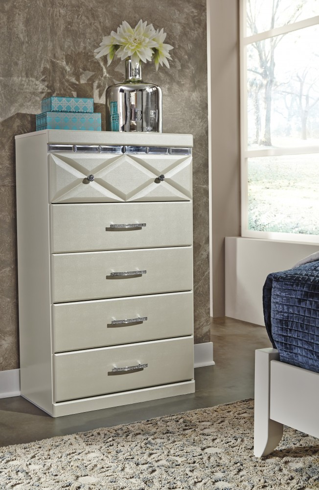 Dreamur - Champagne - Five Drawer Chest