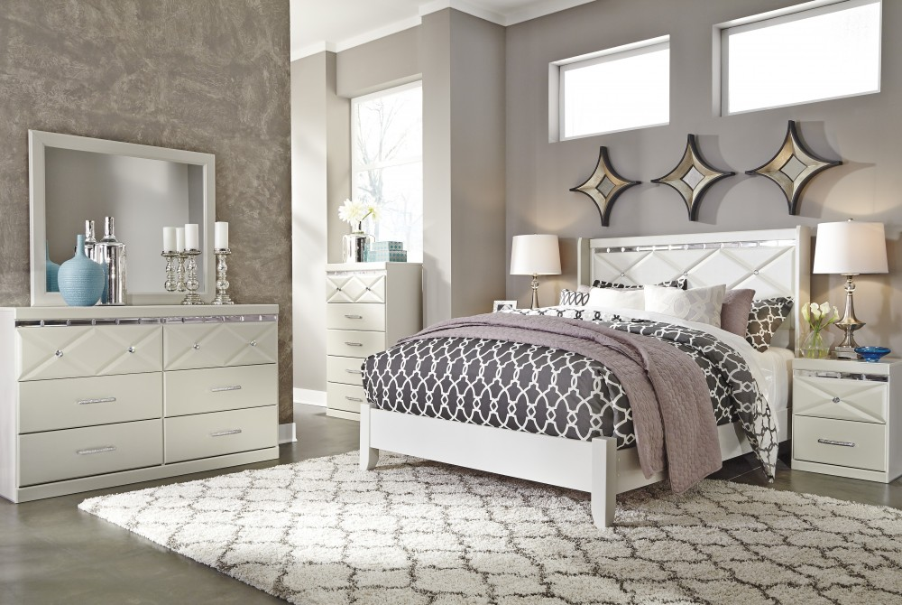 Dreamur 4 Pc Bedroom - Dresser, Mirror & Queen Panel Bed | Bedroom ...