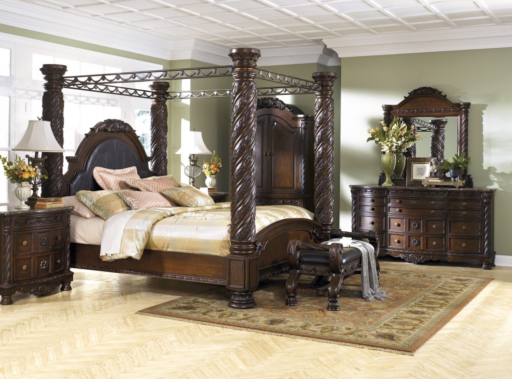 North Shore 8 Pc. Bedroom - Dresser, Mirror, Chest & Cal King Bed with Canopy