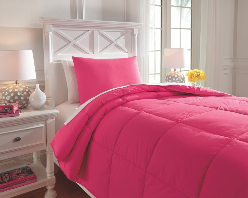 Plainfield - Magenta - Twin Comforter Set