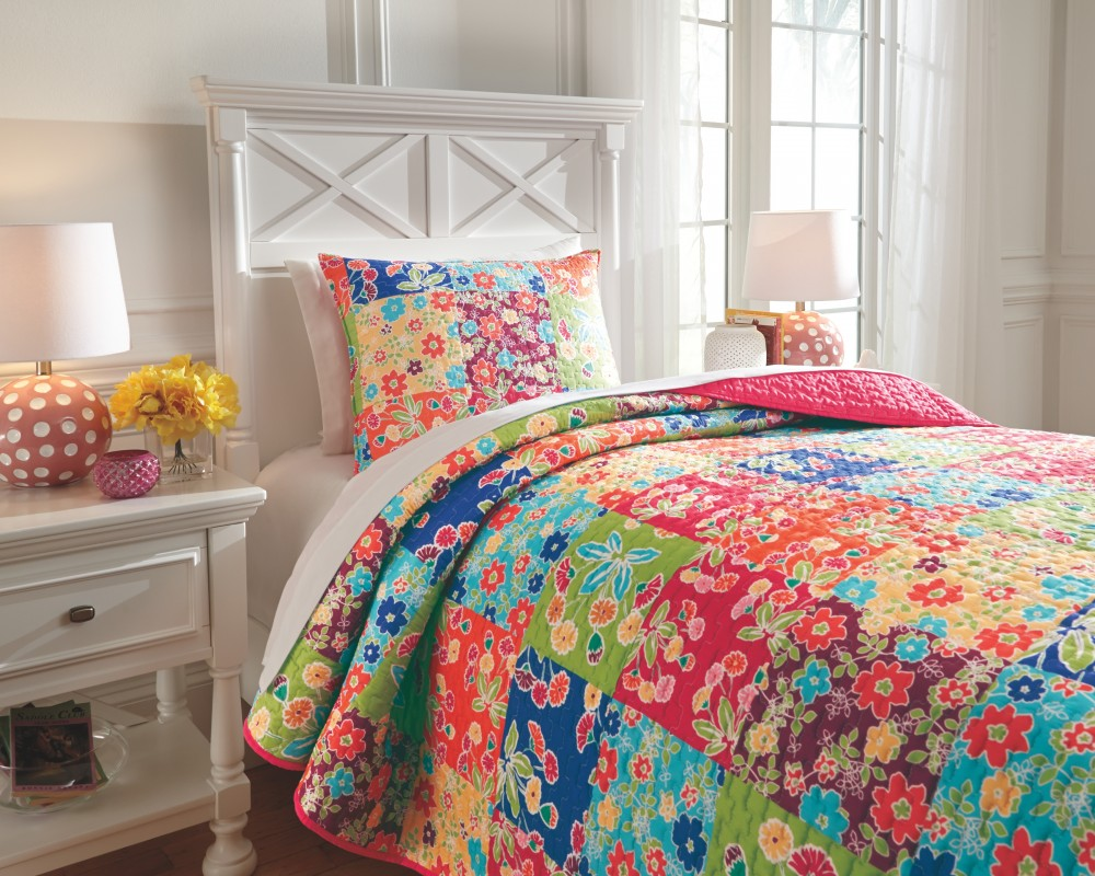 Belle Chase - Patch - Twin Comforter Set