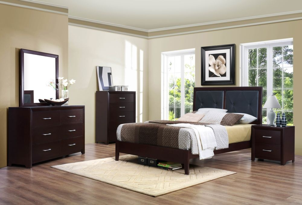 . Wood 7 Piece Bedroom Set