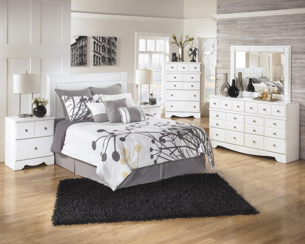 Weeki 3 Pc. Bedroom   Dresser, Mirror U0026 Queen/Full Panel Headboard