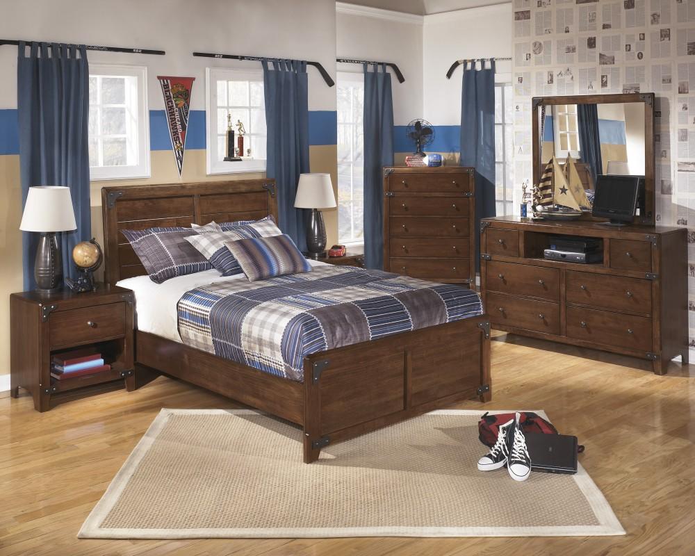Delburne Dresser, Mirror & Full Panel Bed