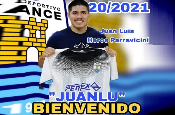 El jugador Juanlu Heros refuerza la delantera del C.D. Avance