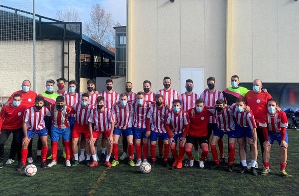 """El Atlético Velilla CF logra el ascenso a Segunda Regional tras su victoria ante el CF Rayo 70 """"B"""""""